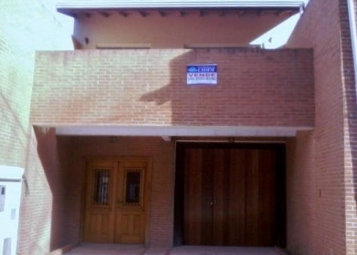 Poços de Caldas - MG / Vendo Casa área central - R$750.000,00