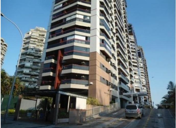 Excelente 2 Suítes em um dos Melhores Condomínio da Barra