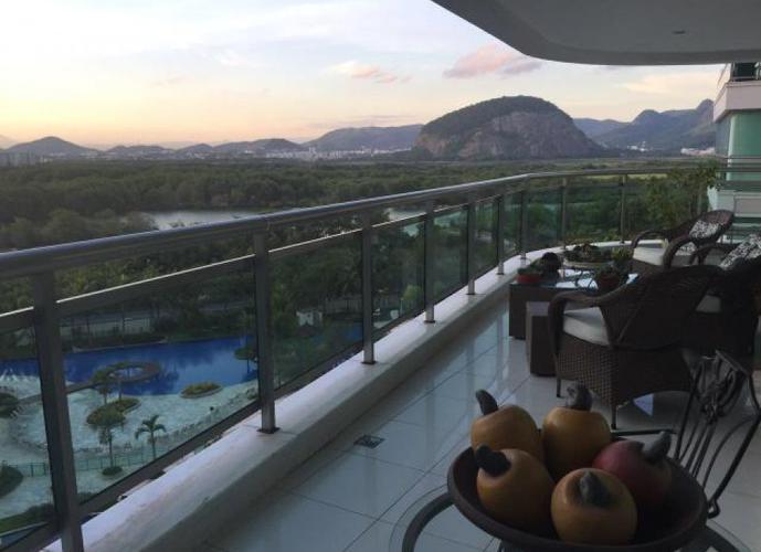 Magnífico Apartamento com 4 suítes no Península na Barra da Tijuca