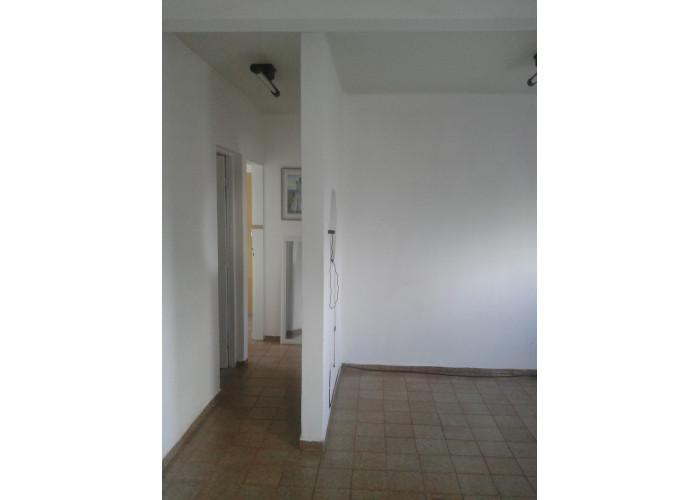 Divido apto 2 quartos/garagem/no Santo Eduardo