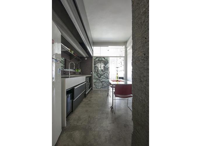 Loft 37 m² área útil, totalmente reformado.