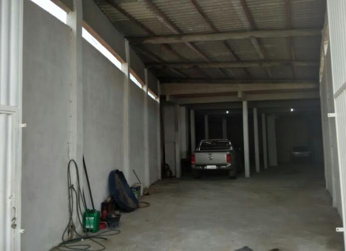 Galpão em Vinhateiro/RJ de 300m² para locação R$ 4.500,00/mes