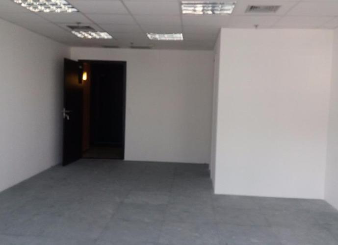 Sala em Chácara Santo Antônio (Zona Sul)/SP de 42m² para locação R$ 2.000,00/mes