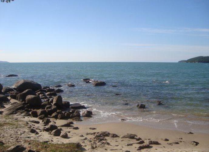 Lote praia condomínio fechado - Terreno a Venda no bairro Perequê - Porto Belo, SC - Ref: 38