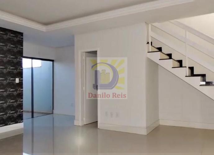 Sobrado 03 Dormitórios c/Suíte - Sobrado a Venda no bairro Universitário - Lajeado, RS - Ref: 260