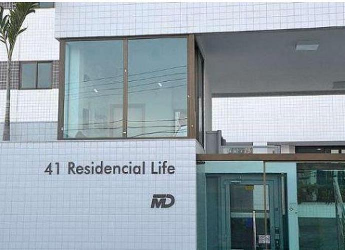 Apartamento a Venda no bairro Gruta de Lurdes - Maceió, AL - Ref: PA0161