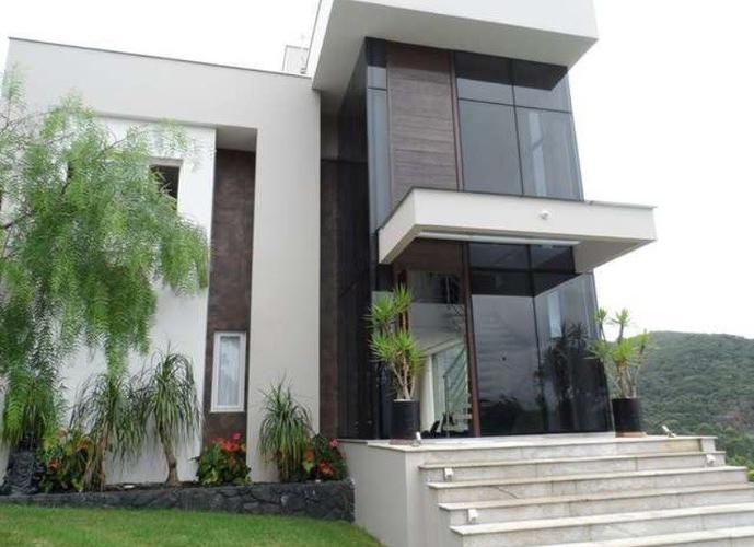 Casa Condomínio - Casa em Condomínio a Venda no bairro Ariribá - Balneário Camboriú, SC - Ref: TVC-005