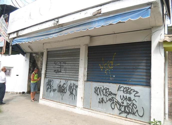 Lojão com deposito com 300m² - Loja para Aluguel no bairro Santa Catarina - São Gonçalo, RJ - Ref: TRA04136