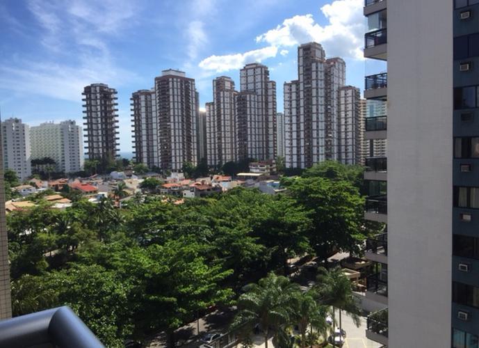 VENDO APTO ORIGINAL 3 QUARTOS REFORMADO LATERAL MAR - Apartamento a Venda no bairro Barra da Tijuca - Rio de Janeiro, RJ - Ref: JACAN1010