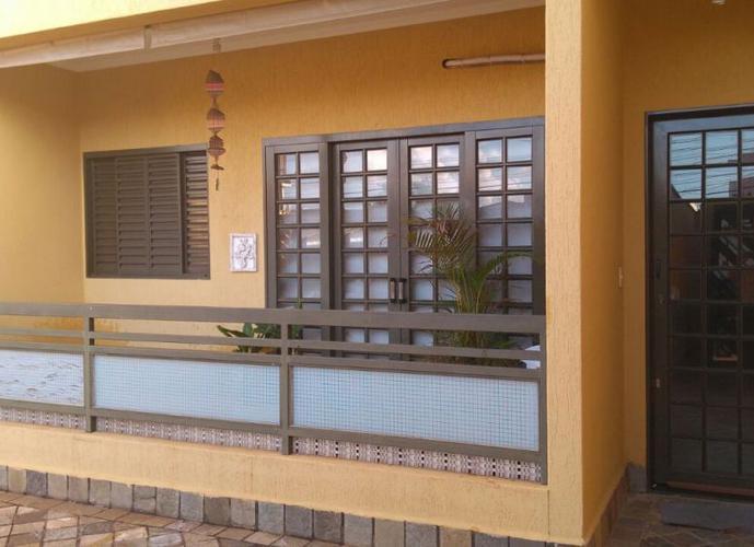 Apto térreo com quintal 3 Dorm. sendo 1 suíte - Apartamento a Venda no bairro Parque Bandeirante - Ribeirão Preto, SP - Ref: FA50553