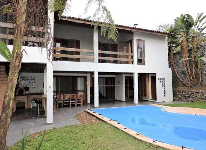 Terras do Madeira -3 dorms (1s), Lareira, Gourmet e Piscina. - Casa em Condomínio a Venda no bairro Terras do Madeira - Carapicuíba, SP - Ref: CAS0062