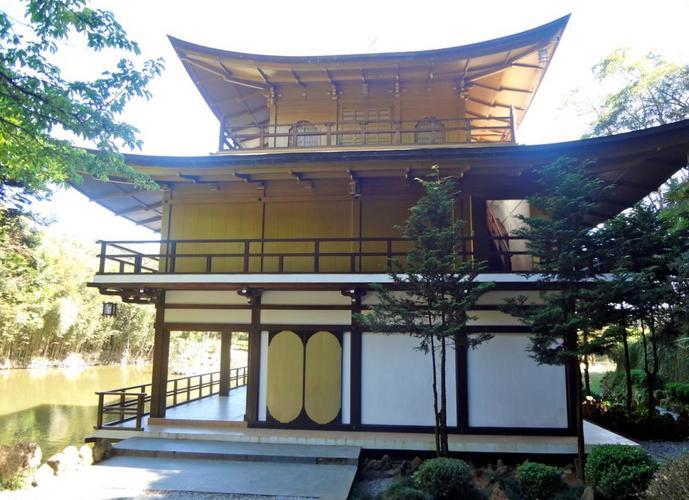 Túmulo 6 urnas no Kinkaku-ji em Itapecerica da Serra - Lote a Venda no bairro Chácara das Palmeiras - Itapecerica da Serra, SP - Ref: HA289