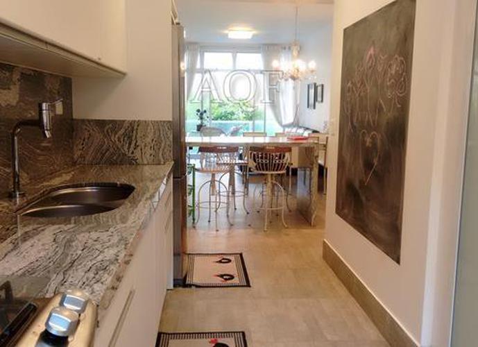 Apartamento a Venda no bairro Pitangueiras - Guarujá, SP - Ref: PA0215
