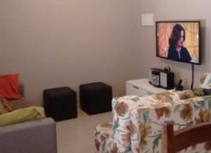 Sobrado à venda, 90 m², 3 quartos, 2 banheiros, 1 suíte