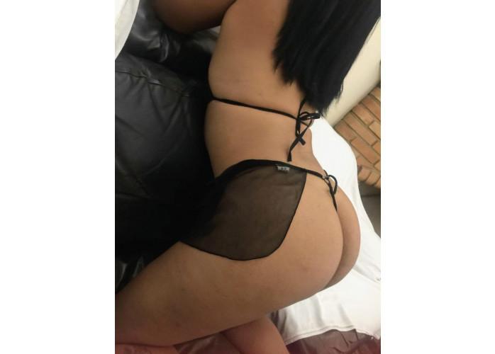 Prazer Natty massagista bem safadinha, hoje com promoção completo com anal 1 hora por 200 agende seu horario comigo amor