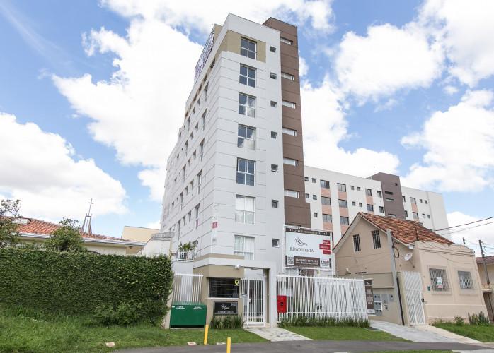 Apartamento mobiliado à venda no Cristo Rei, Curitiba.