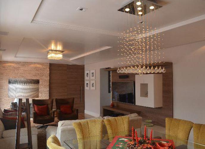 Apartamento Central Diferenciado - Apartamento a Venda no bairro Centro - Pelotas, RS - Ref: 2168