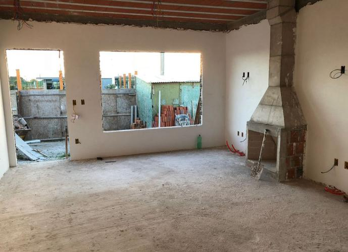 Casa no Alphaville - Casa em Condomínio a Venda no bairro Laranjal - Pelotas, RS - Ref: 2375