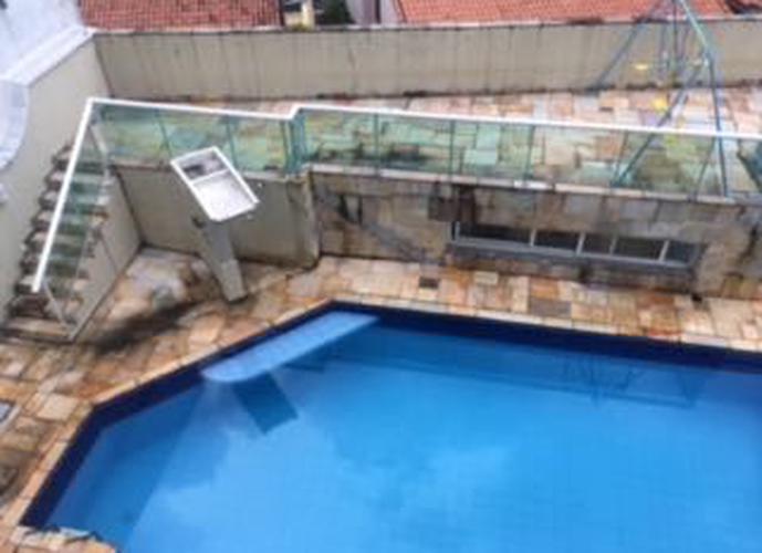 Sobrado à venda, 550 m², 4 quartos, 3 banheiros, 2 suítes