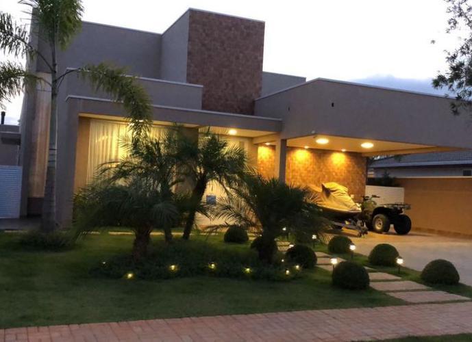CASA ESPETACULAR 310m² EM ATIBAIA - Casa em Condomínio a Venda no bairro CENTRO - Atibaia, SP - Ref: SC00040