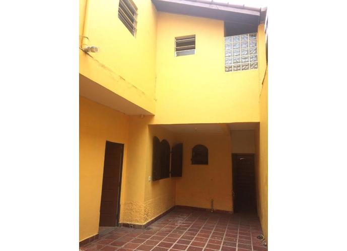 Sobrado em Vila Santa Luzia/SP de 0m² 5 quartos para locação R$ 3.300,00/mes