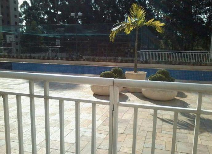 Apartamento em Parque Taboão/SP de 57m² 2 quartos a venda por R$ 295.000,00