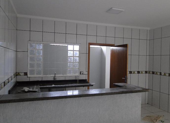 Sobrado em Concórdia Iii/SP de 187m² 3 quartos a venda por R$ 375.000,00