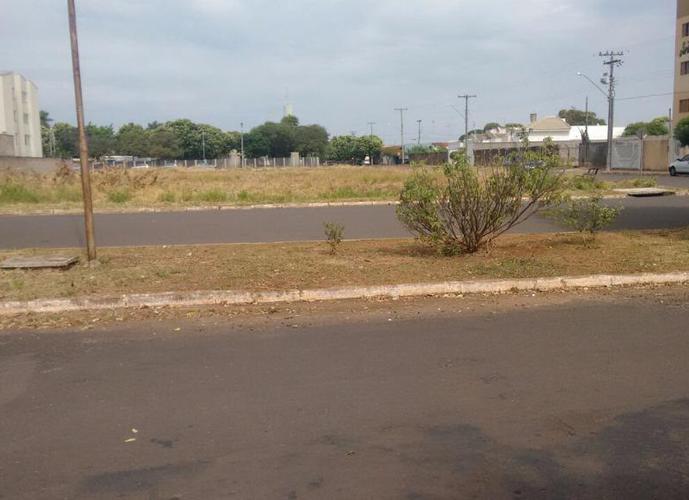 Terreno em Aviação/SP de 759m² a venda por R$ 400.000,00