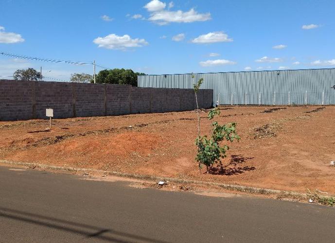 Terreno em Distrito Industrial/SP de 894m² a venda por R$ 220.000,00