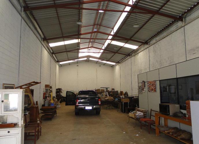 Barracão em Umuarama/SP de 300m² a venda por R$ 450.000,00 ou para locação R$ 4.000,00/mes