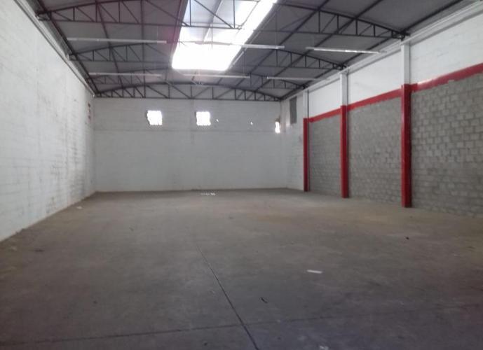 Barracão em Umuarama/SP de 360m² para locação R$ 2.800,00/mes