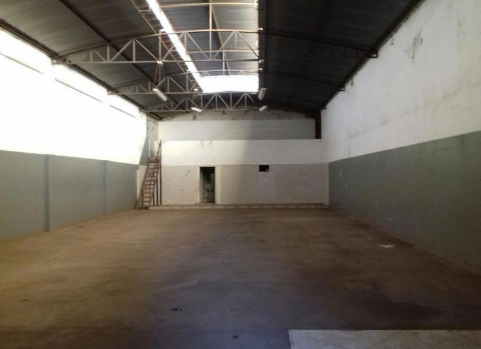 Barracão em Jussara/SP de 300m² para locação R$ 2.750,00/mes