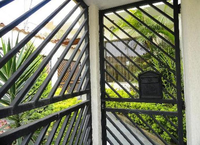 Sobrado em Vila Esther/SP de 0m² 4 quartos a venda por R$ 550.000,00