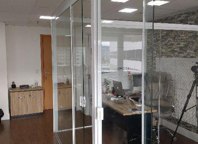 Sala em Vila Belmiro/SP de 44m² a venda por R$ 240.000,00