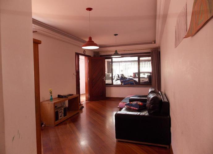 Sobrado em Vila Dom Pedro I/SP de 210m² 3 quartos a venda por R$ 715.000,00