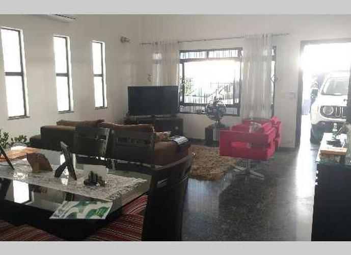 Sobrado em Boqueirão/SP de 257m² 3 quartos a venda por R$ 1.350.000,00
