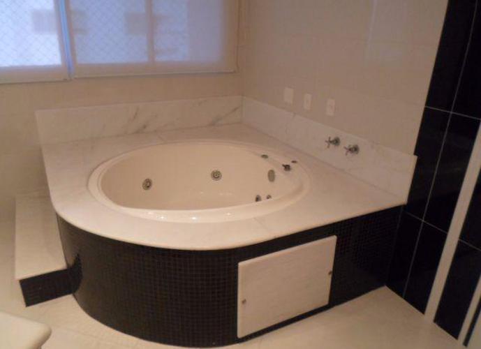Apartamento Triplex em Ponta Da Praia/SP de 600m² 4 quartos a venda por R$ 4.190.000,00