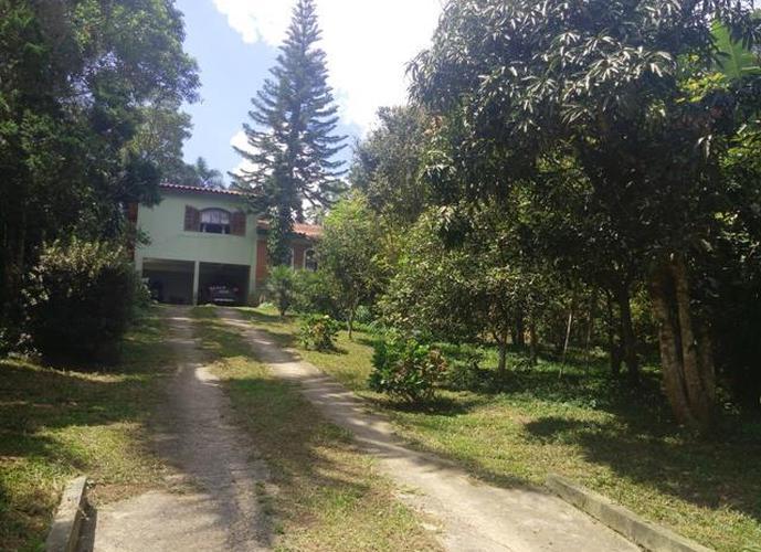 Chácara em Caucaia Do Alto/SP de 230m² 3 quartos a venda por R$ 550.000,00