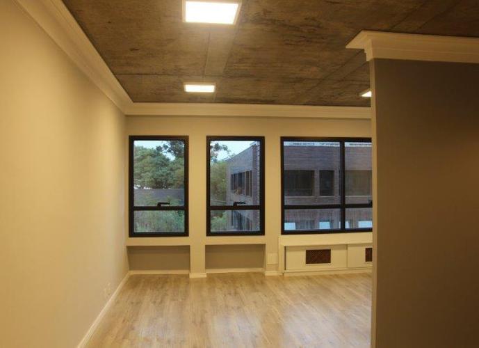 Sala em Granja Viana/SP de 41m² a venda por R$ 300.000,00 ou para locação R$ 1.500,00/mes