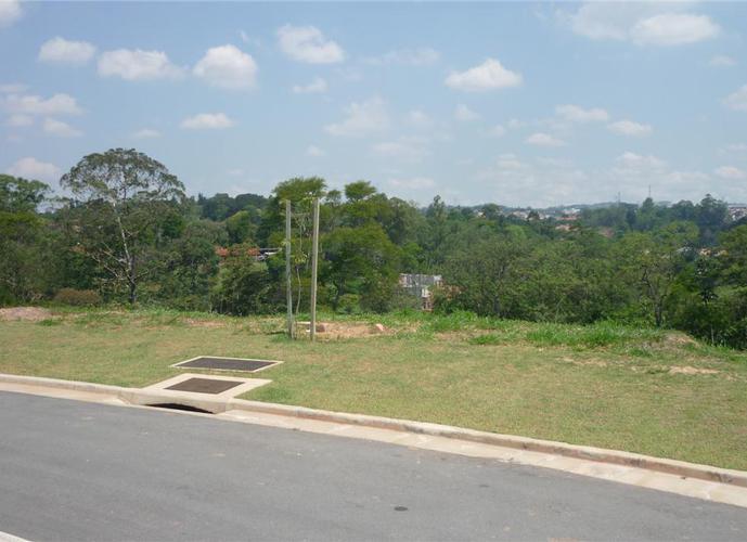 Terreno em Granja Viana/SP de 777m² a venda por R$ 670.000,00