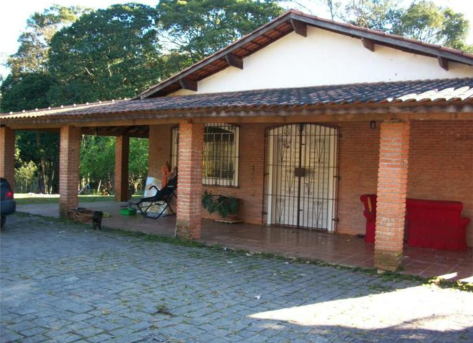 Chácara em Caucaia Do Alto/SP de 230m² 3 quartos a venda por R$ 849.000,00