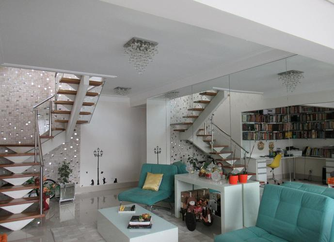 Apartamento em Granja Viana/SP de 218m² 2 quartos a venda por R$ 1.200.000,00