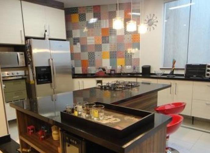 Sobrado em Vila Ema/SP de 150m² 3 quartos a venda por R$ 600.000,00