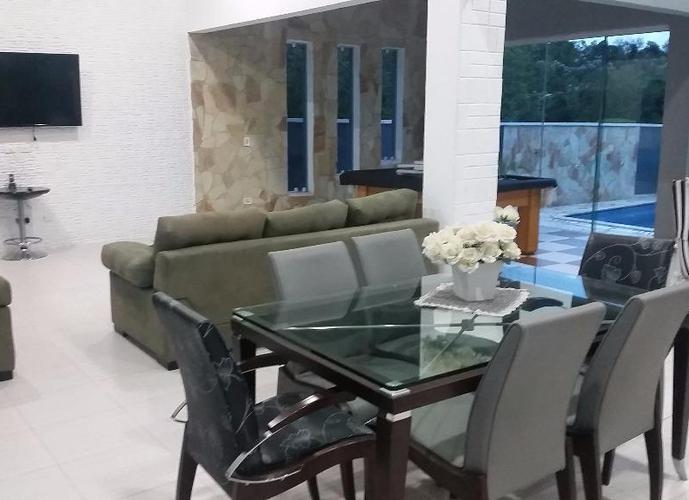Sobrado em Parque Residencial Itapeti/SP de 319m² 3 quartos a venda por R$ 1.200.000,00