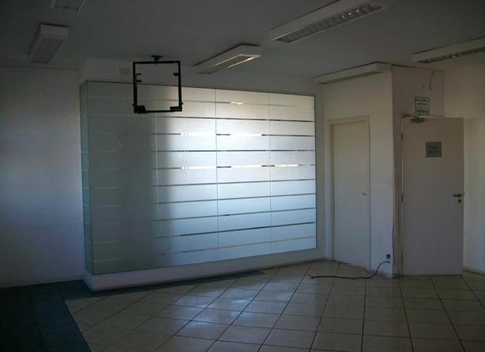 Conjunto em Vila Matias/SP de 252m² para locação R$ 4.500,00/mes