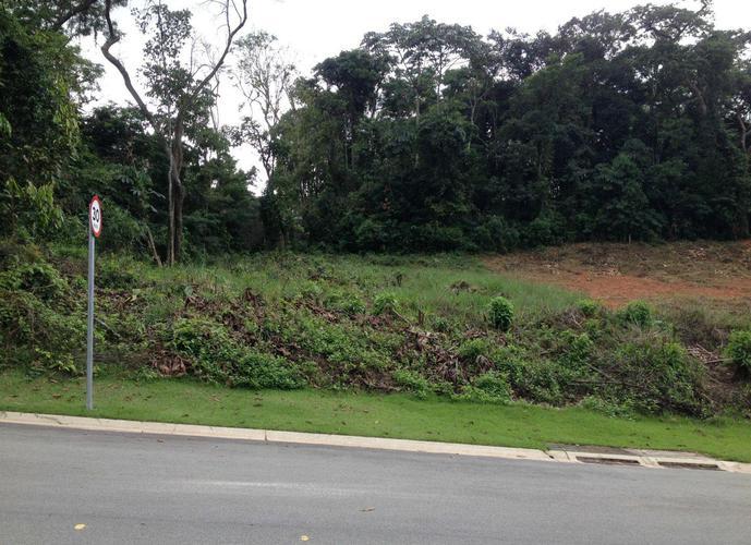 Terreno em Granja Viana/SP de 677m² a venda por R$ 700.000,00