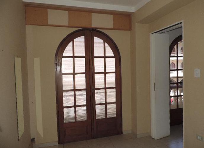 Sala em Granja Viana/SP de 34m² para locação R$ 950,00/mes