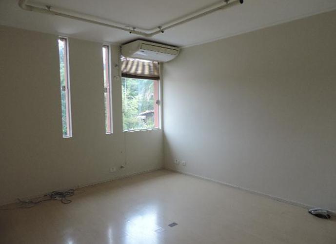 Sala em Granja Viana/SP de 18m² para locação R$ 658,00/mes