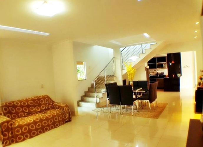 Sobrado em Plano Diretor Sul/TO de 350m² 4 quartos a venda por R$ 850.000,00
