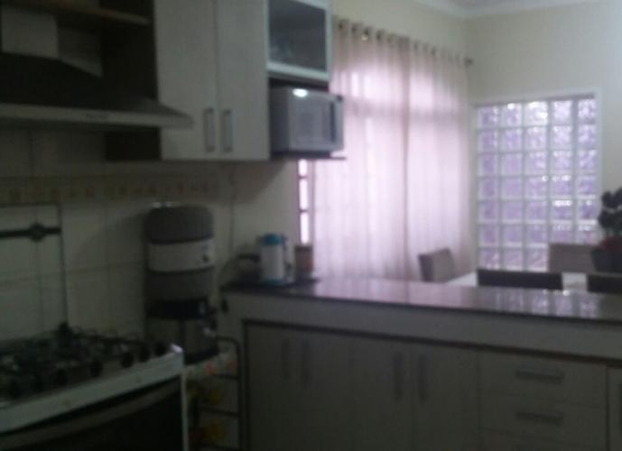 Sobrado em Vila Scarpelli/SP de 185m² 3 quartos a venda por R$ 700.000,00